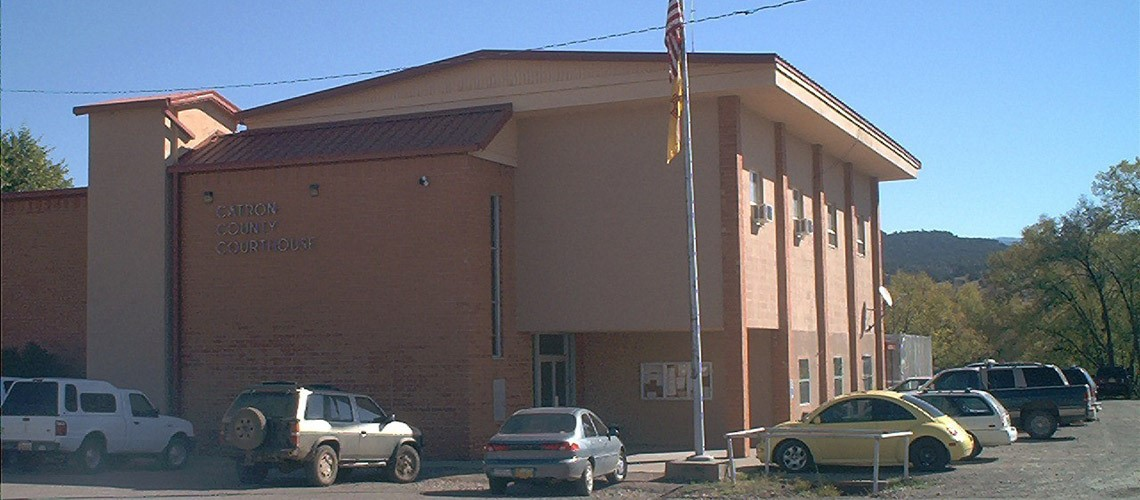 A picture of the front of the Catron County Courthouse