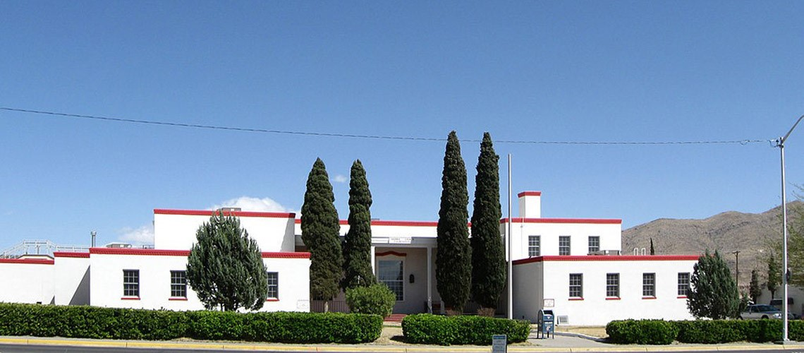 A picture of the front of the Sierra County Courthouse